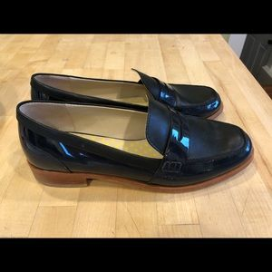 Boden Navy Leather/Patent Penny Loafer, size 9/9.5